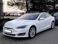 Оренда авто Tesla model S з водієм Тернопіль