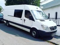 Пасажирські та вантажні перевезення на комориному мікроавтобусі Mercedes Sprinter