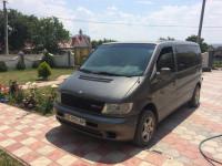 Оренда мікроавтобуса Mercedes Vito з водієм Чернівці