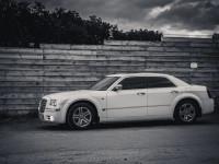 Аренда авто Chrysler 300c на свадьбу Харьков, трансфер аэропорт, жд, выпускной