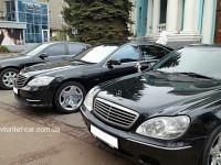 Прокат авто аренда лимузина джип на свадьбу Харьков