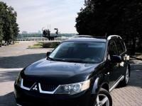 Аренда авто Mitsubishi Outlander XL с водителем Киев
