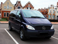 Заказ микроавтобуса Mercedes Vito с водителем Киев